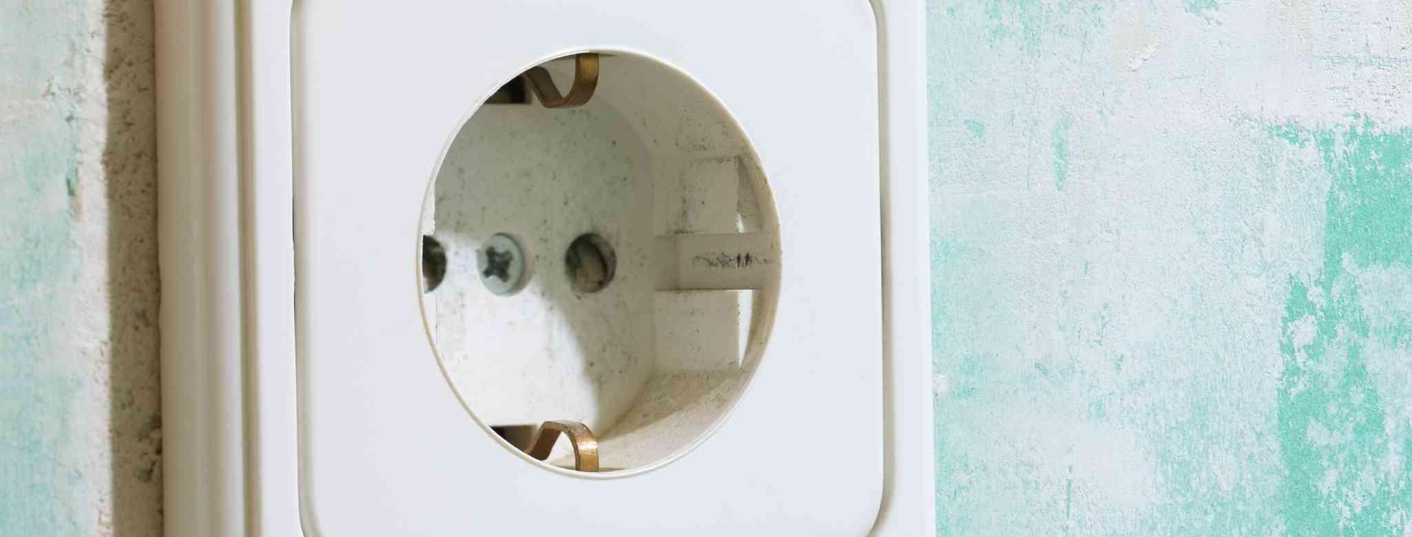 התקנת נקודות חשמל בבית או בעסק