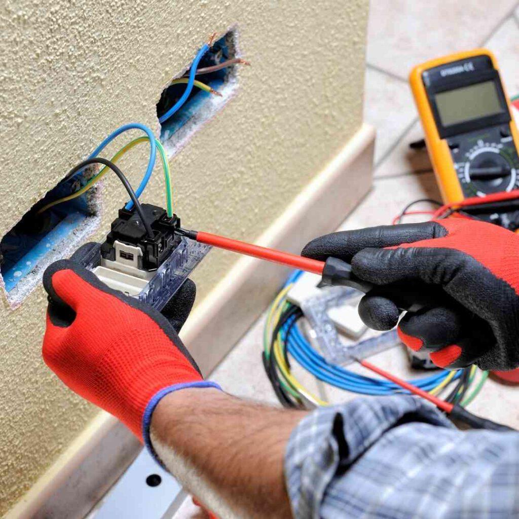 בדיקת חשמל בבית